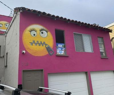 'Emoji house' sparks uproar in California beach town