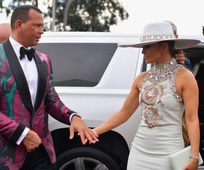 Jennifer Lopez & Alex Rodriguez's Body Language At The 2019 Grammys Is Strong & Steady