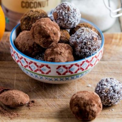 Christmas Spice Chocolate Truffles