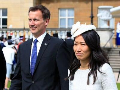 UK foreign secretary accidentally referred to his Chinese wife as Japanese on his first trip to China
