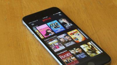 Netflix adds offline viewing for smartphones and tablets