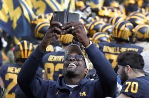 No. 5 Michigan routs Penn State 42-7, wins 8th game in row
