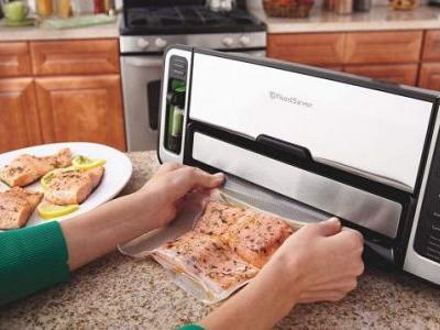 Stop Throwing Away Spoiled Food: This Is One of the Best FoodSaver Deals We've Ever Seen