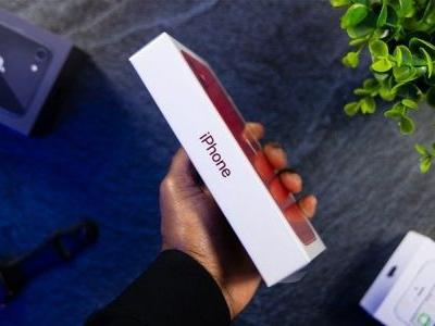 Video shows off the inside of Apple's new iPhone packaging