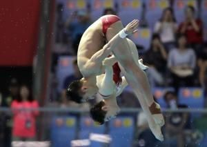 China wins first 2 diving gold medals at world championships