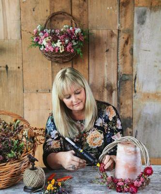 Lynda Hallinan's Blog: The liberation of dried-flowers