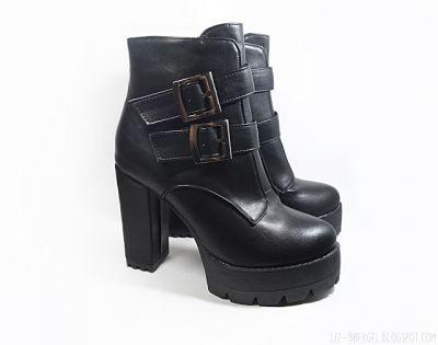 Expectation Vs. Reality| Double Buckle Platform Ankle Boots by Gamiss