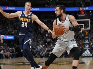 Nuggets rout Spurs 113-85; Popovich ejected after 63 seconds