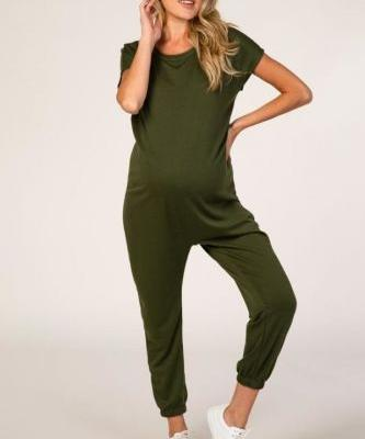 24 Adorable Maternity Jumpsuits Perfect For Your Growing Belly