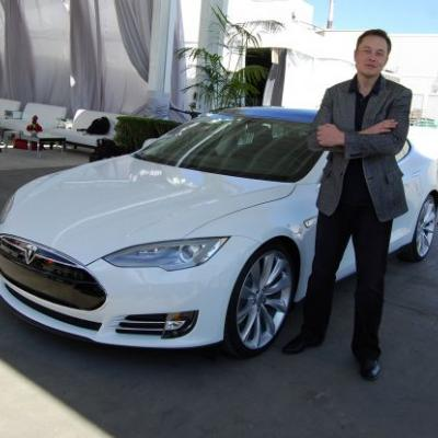 TESLA TERMINATOR: Tesla car autopilot veers off highway, crashes into road signs as driver locked out of all controls