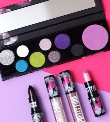 New MAC Girls Palettes, Lipsticks and Lipglass: Smarty Pants, Raver Girl and Pretty Punk