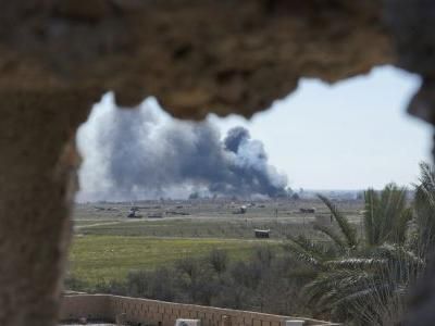 IS militants hiding behind civilians, slowing Syria attack