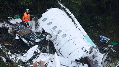 Plane carrying Brazilian soccer team Chapecoense crashes in Colombia