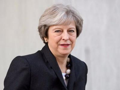 Theresa May prepares to surrender over the Brexit leaving date