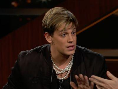 Milo Yiannopoulos resigns from Breitbart after appearing to condone sex between 'younger boys and older men'