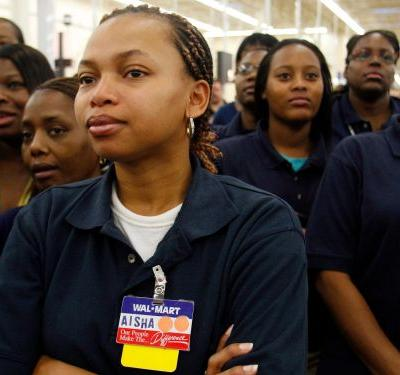 Walmart employees share the 5 biggest mistakes shoppers make