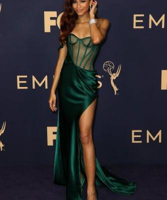 Zendaya's Emmys Look Is Like a Hot Little Mermaid in Lingerie-OMG