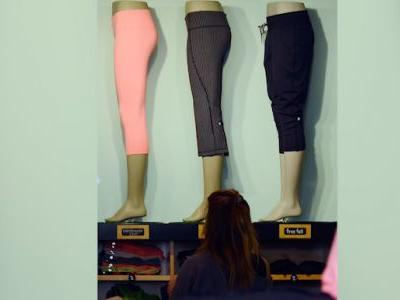 Thieves steal $17,000 in yoga pants from Lululemon store in California