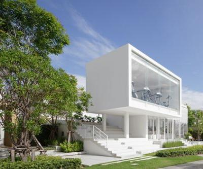 The Sky Clubhouse / Design in Motion