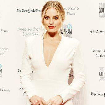 Margot Robbie on Beauty, Shower Beers and Best Friends