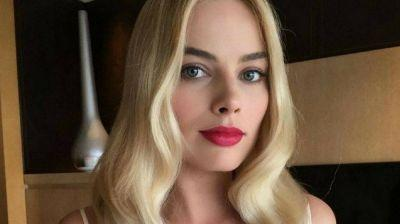 This Margot Robbie Makeup Tutorial is Spot On | Celebrity Makeup Tutorial