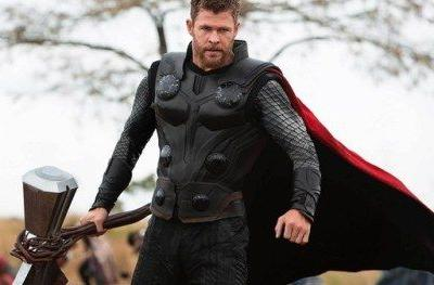 Thor Trades Stormbreaker for a Big Gun in Early Infinity War