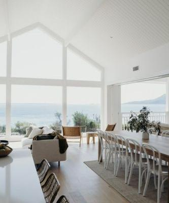 RENT A MODERN AUSTRALIAN BEACH HOUSE