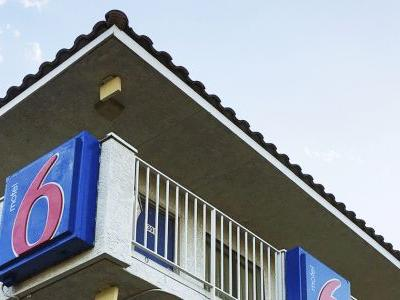 Motel 6: $7.6 million for guests reported to immigration