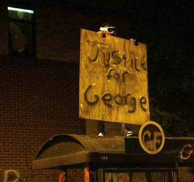 Minneapolis Restaurant Owner Says 'Let My Building Burn, Justice Needs to Be Served'