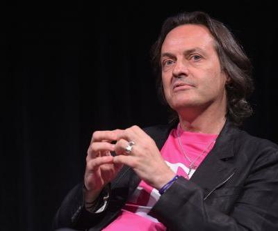 The deal between T-Mobile and Sprint that forms a $146 billion telecom giant to take on AT&T and Verizon is reportedly in jeopardy
