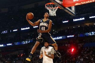 Robinson edges former UNLV star Derrick Jones Jr. for NBA slam dunk title