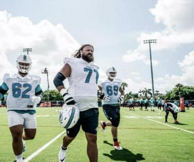 Former Dolphins, Packers, Bears G Josh Sitton retires