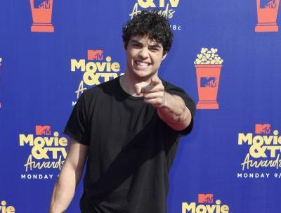 The Tweets About Noah Centineo At The 2019 MTV Movie Awards Are Swooning Over His Message