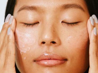 Beauty Sleep: 12 Nighttime Skin Care Routine Tips That Seriously Work