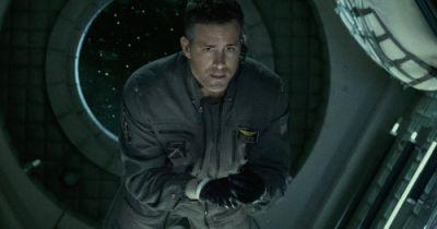 Life Super Bowl Trailer: Ryan Reynolds Fights a Scary AlienRyan