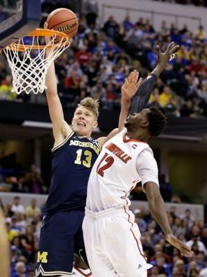 Michigan's Moe Wagner enters NBA draft, skips senior season