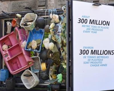Touring exhibit drives home problem of ocean plastic