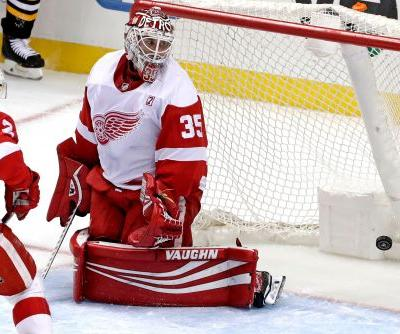 Penguins lock up playoff berth with 4-1 win over Red Wings