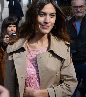 We Need to Know What Mascara Alexa Chung Keeps in Her Beauty Stash