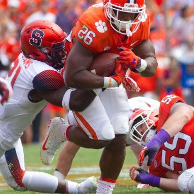 Clemson loses quarterback before rallying past Syracuse on late drive