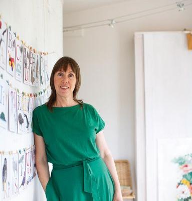 How Waiheke artist Tanya Wolfkamp found a unique style with her colourful depictions of Aotearoa
