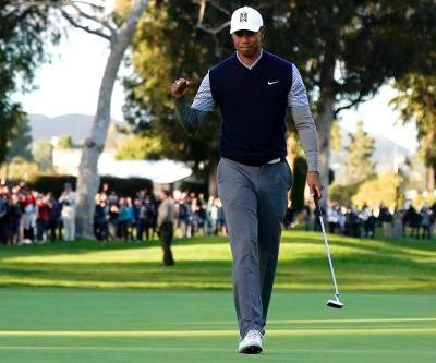 Tiger Woods goes on crazy run to surge into contention