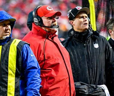 Andy Reid scolds fans for throwing snowballs at Colts