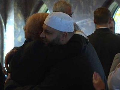 Hundreds gather at local mosque for interfaith response to mass shootings in New Zealand