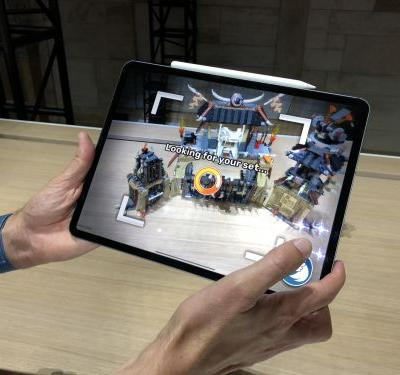 The new iPad Pro is almost as fast as one of Apple's $2,800 laptops - but it only costs $800