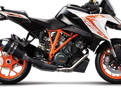 2019 KTM 1290 Super Duke GT First Look