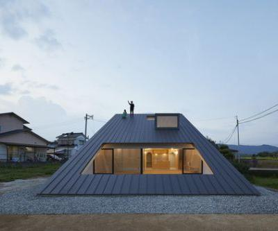 House in Usuki / Kenta Eto Architects