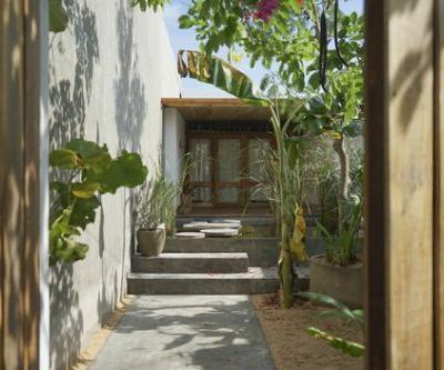 Hill Lodge / haus space