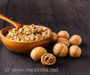 Eating Walnuts Can Reduce Depression Symptoms