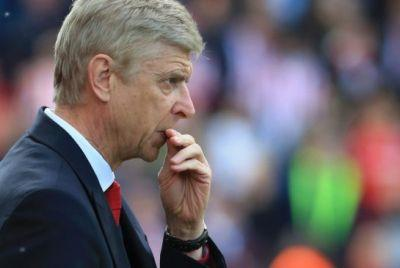 Arsenal manager Wenger gives little away as club faces top-4 exclusion